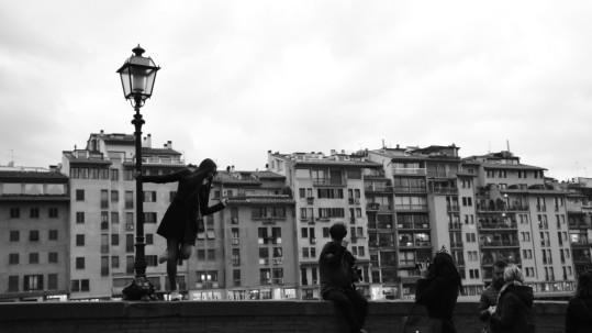 Il fiume vicino a Ponte Vecchio. In viaggio con Humus a Firenze